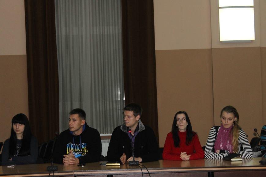 Советник губернатора Борис Трейгерман взял под опеку криворожских студентов (ФОТО), фото-4