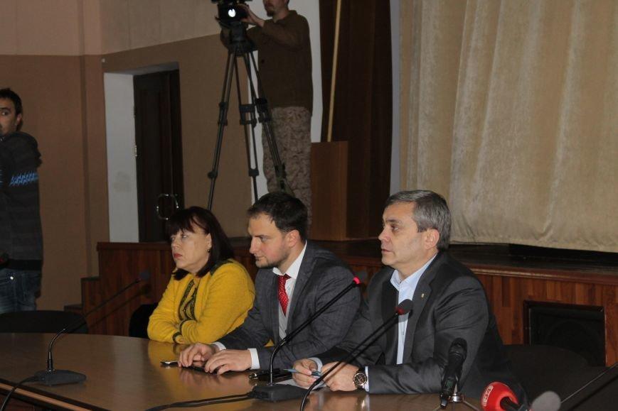 Советник губернатора Борис Трейгерман взял под опеку криворожских студентов (ФОТО), фото-7