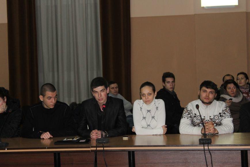 Советник губернатора Борис Трейгерман взял под опеку криворожских студентов (ФОТО), фото-2