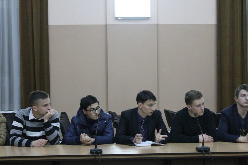 Советник губернатора Борис Трейгерман взял под опеку криворожских студентов (ФОТО), фото-6