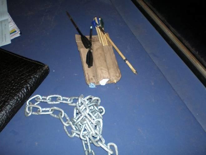 В «БМВ» с перебитыми номерами запорожская милиция нашла оружие (ФОТО, ВИДЕО) (фото) - фото 2