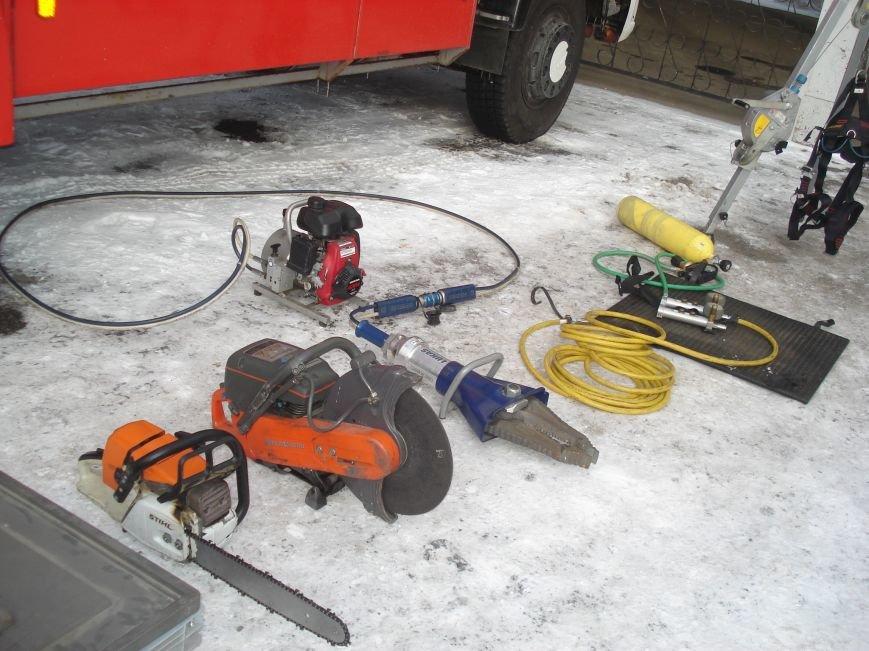 Днепропетровских школьников заставили тушить пожар (фото) - фото 2