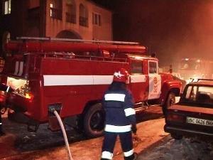 Щоб погасити пожежу біля Львова довелось залучили 24 вогнеборці (ФОТО+ВІДЕО) (фото) - фото 2