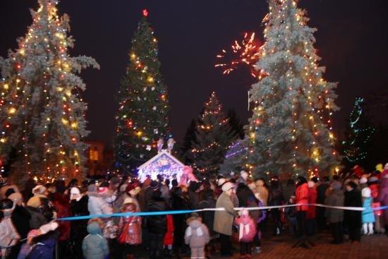 Адреса всех кременчугских новогодних ёлок (фото) - фото 1