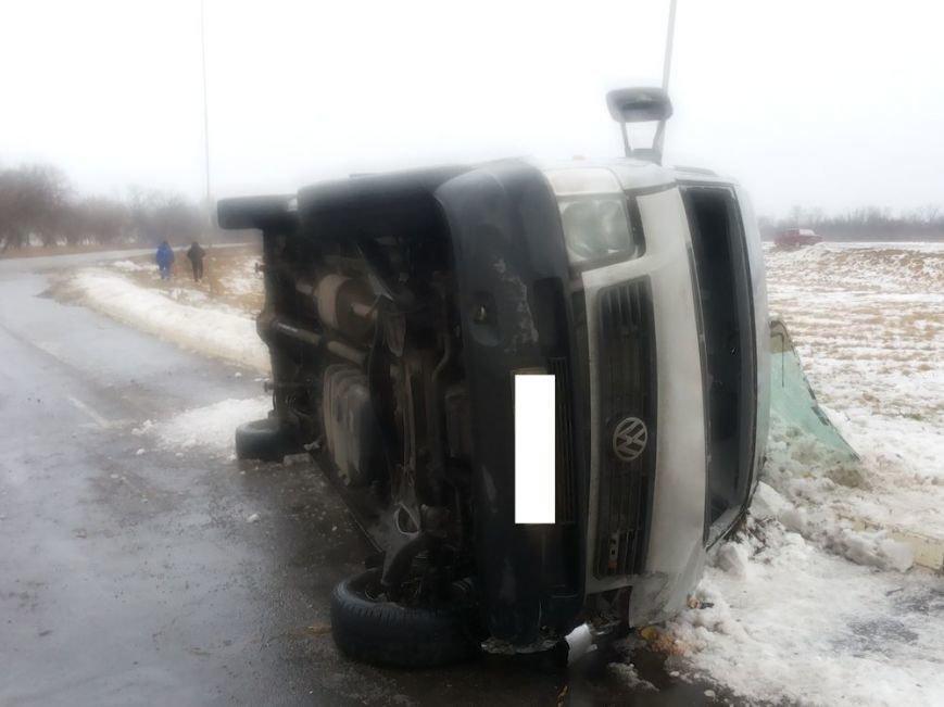 На Харьковщине перевернулся пассажирский микроавтобус (ФОТО), фото-2