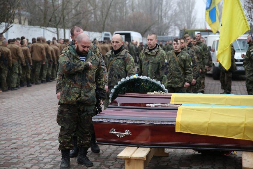 Под Мариуполем азовцы простились с погибшими в Павлополе героями (ФОТО+ВИДЕО), фото-6