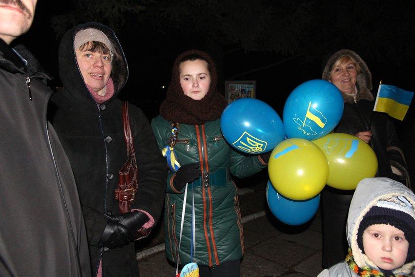 У Львові зустріли 300 десантників, які повернулись додому (ФОТОРЕПОРТАЖ) (фото) - фото 26