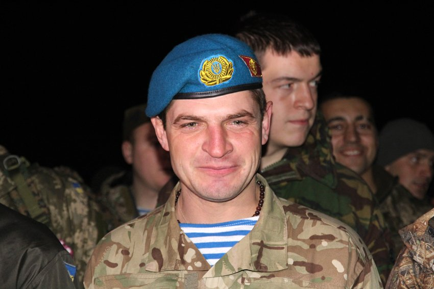 У Львові зустріли 300 десантників, які повернулись додому (ФОТОРЕПОРТАЖ) (фото) - фото 7