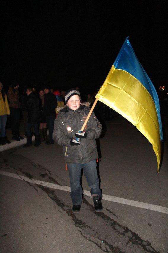 У Львові зустріли 300 десантників, які повернулись додому (ФОТОРЕПОРТАЖ) (фото) - фото 29