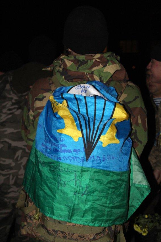 У Львові зустріли 300 десантників, які повернулись додому (ФОТОРЕПОРТАЖ) (фото) - фото 11