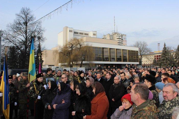 В Луцке простились с бойцом «Азова», погибшим под Мариуполем (ФОТО), фото-16