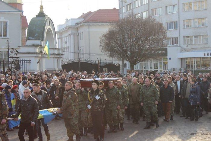 В Луцке простились с бойцом «Азова», погибшим под Мариуполем (ФОТО), фото-1