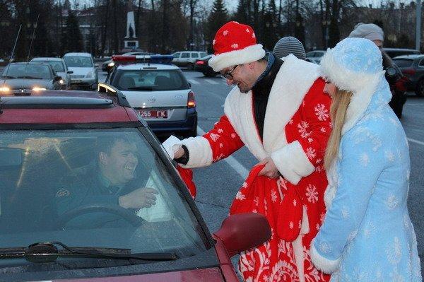 Водители пропустивших пешеходов получили подарки от ГАИ Гродно (Фото), фото-5