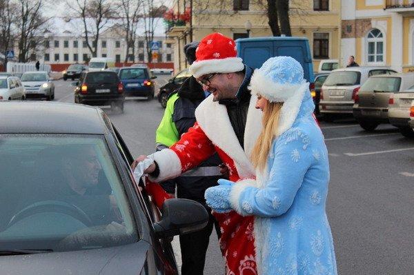 Водители пропустивших пешеходов получили подарки от ГАИ Гродно (Фото), фото-4