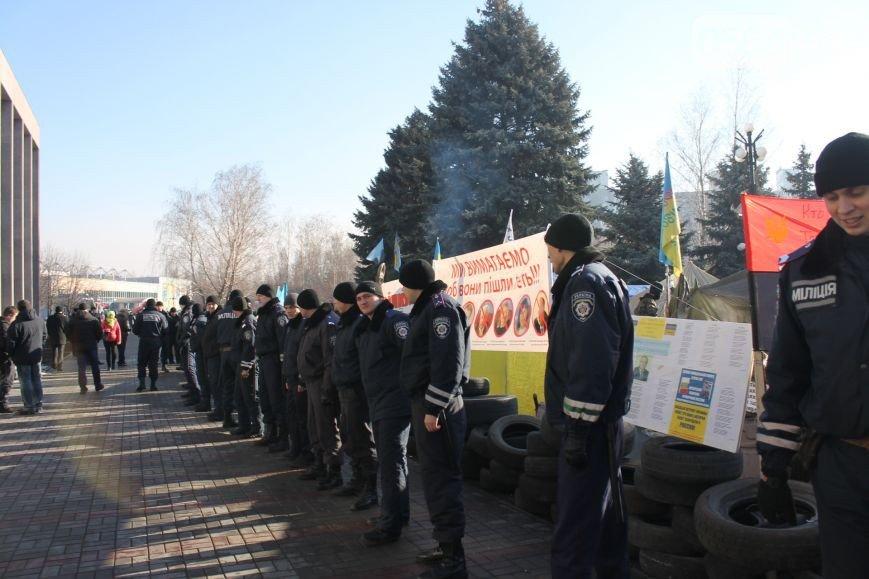 В Кривом Роге: чиновники и криминалитет получили предупреждение от активистов, а на коротких маршрутах считают пассажиров (фото) - фото 1
