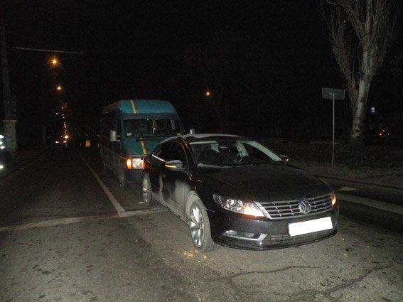 В Николаеве водиль ВАЗа устроил масштабное ДТП на светофоре (фото) - фото 1