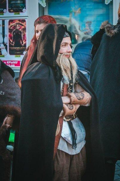 ФОТОРЕПОРТАЖ: В Симферополе на премьеру «Хоббита» собрались эльфы, гномы и волшебники (фото) - фото 2