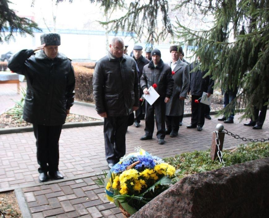 Працівники Управління ДСНС вшанували чорнобильців, фото-2