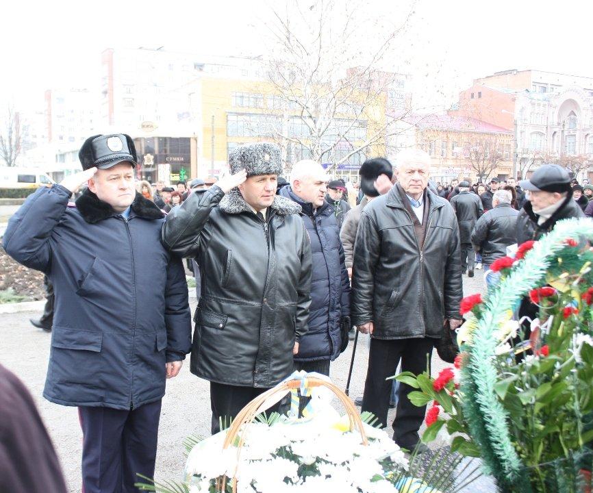 Працівники Управління ДСНС вшанували чорнобильців, фото-3
