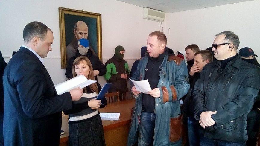 Активисты Евромайдана на броневике штурмуют фитосанитарную инспекцию Одесской области (ФОТО), фото-14