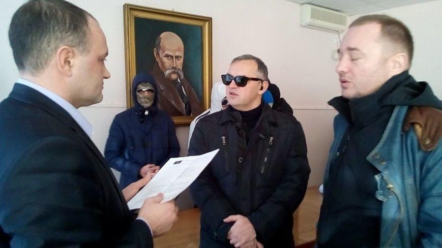 Активисты Евромайдана на броневике штурмуют фитосанитарную инспекцию Одесской области (ФОТО), фото-5