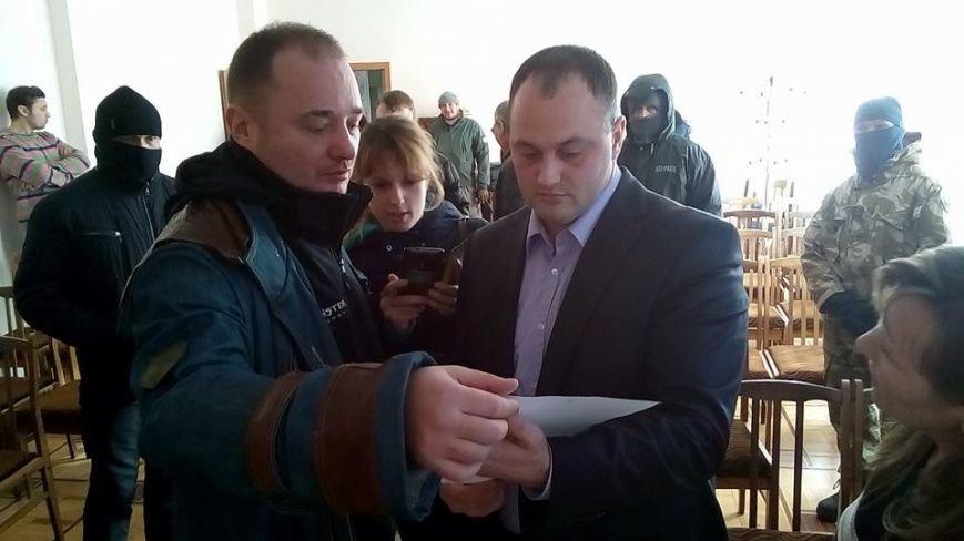 Активисты Евромайдана на броневике штурмуют фитосанитарную инспекцию Одесской области (ФОТО), фото-7