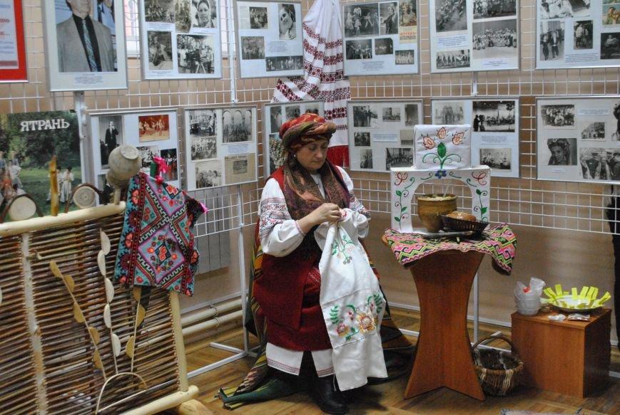 У Кіровограді була презентована виставка декоративно-ужиткового мистецтва, фото-1