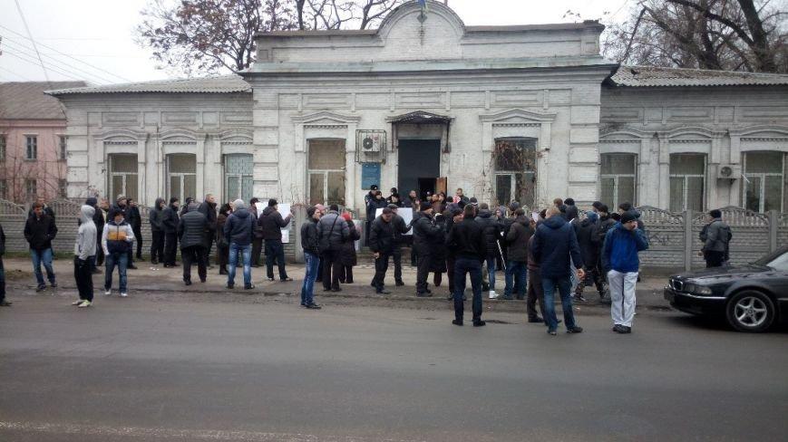 Активисты пикетируют Запорожский районный суд, требуя освободить подсудимых (ФОТО) (фото) - фото 2