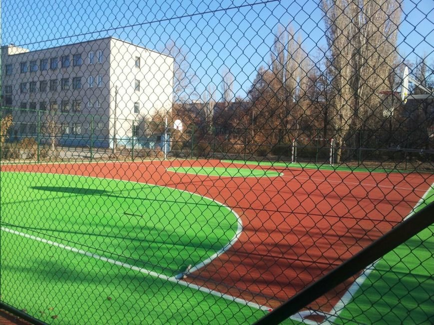 Елена Исинбаева открыла спортплощадку для детей в Волгограде (фото) - фото 1
