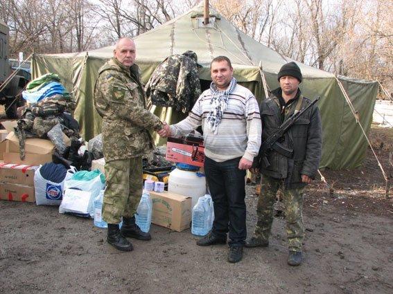 Запорожские сотрудники ГАИ помогли доставить в АТО гуманитарный груз (ФОТО) (фото) - фото 1