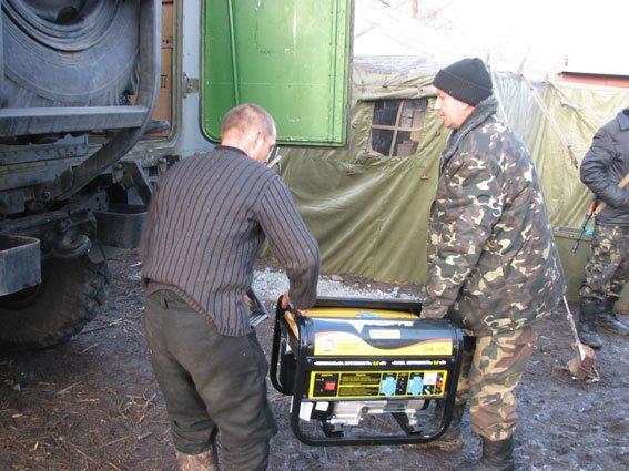 Запорожские сотрудники ГАИ помогли доставить в АТО гуманитарный груз (ФОТО) (фото) - фото 2