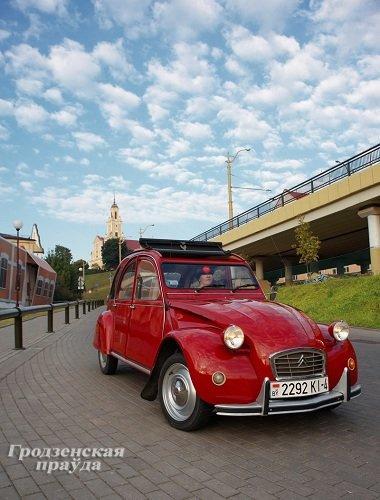 Гродненец приобрел ретро-автомобиль «Ситроен» 2CV для своей коллекции (Фото) (фото) - фото 1