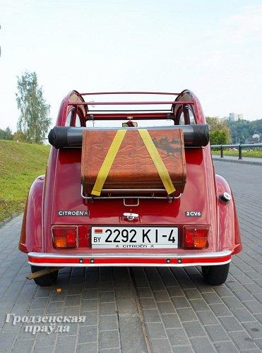 Гродненец приобрел ретро-автомобиль «Ситроен» 2CV для своей коллекции (Фото) (фото) - фото 5