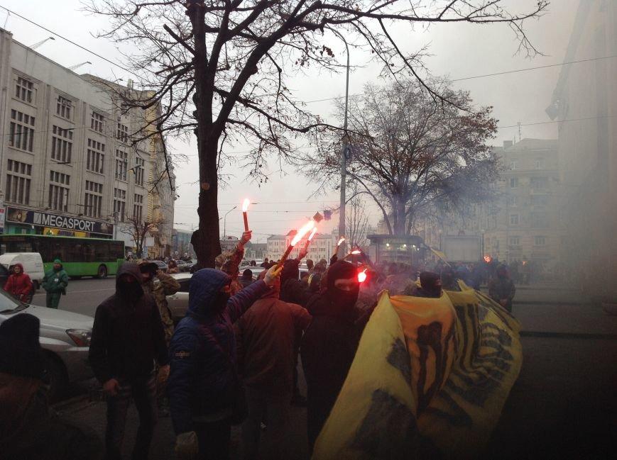 В Харькове активисты хотели устроить мусорную люстрацию чиновнику горсовета (ФОТО+ВИДЕО), фото-8