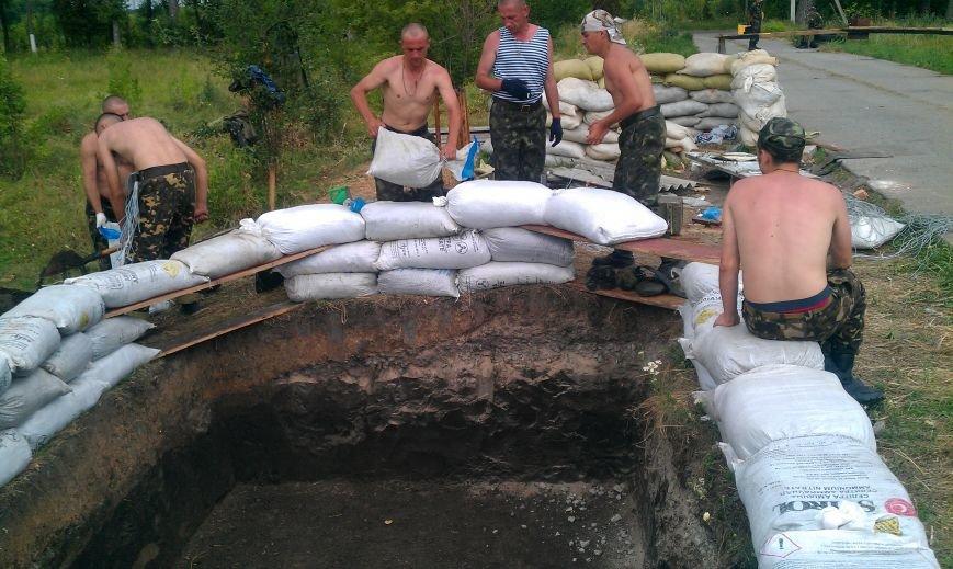 Интервью с кировоградским солдатом: украинские военные на передовой держат оборону и кормят местных пенсионеров (фото) - фото 1