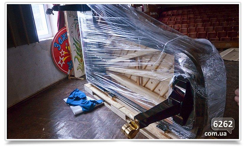 Сегодня рояль-подарок из Эстонии собран и ожидает первого концерта(фотофакт) (фото) - фото 1