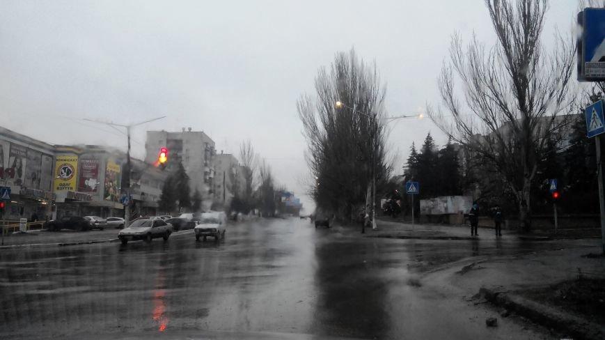Кому в Краматорске светят днем фонари? (фото) - фото 1