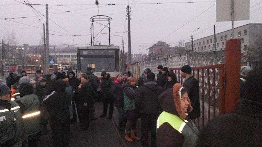 Киевские трамваи объявили забастовку (ФОТО) (фото) - фото 1