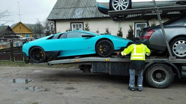Фотофакт: в Гродно привезли 4 эксклюзивных автомобиля стоимостью около 1 млн. долларов (фото) - фото 1