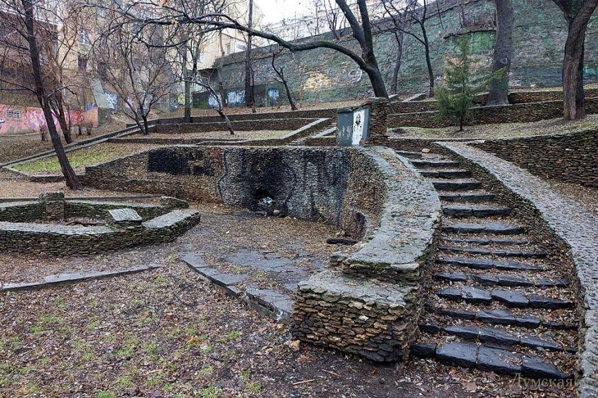 В сквере под памятником Дерибасу может вырасти высотка - СМИ (ФОТО) (фото) - фото 1