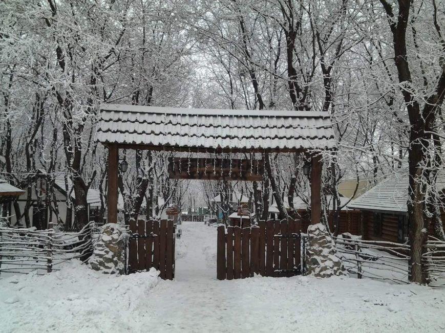 вход в ресторан зима