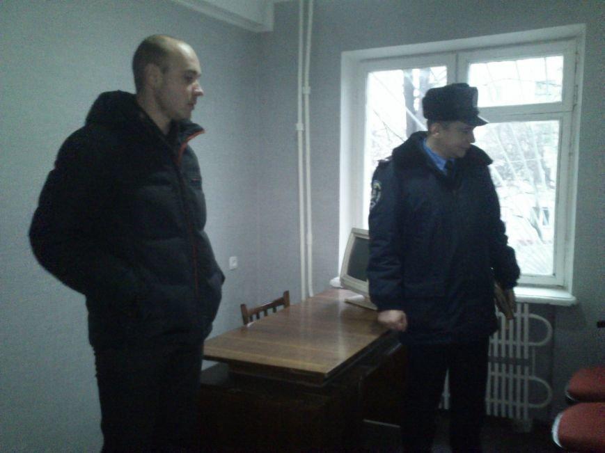 Днепродзержинским участковым ко Дню Святого Николая отремонтировали 2 опорных пункта, фото-3