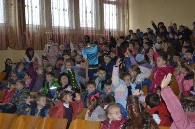Сотрудники ГАИ перед зимними каникулами  рассказали школьникам о детском травматизме на дорогах  (ФОТО), фото-4