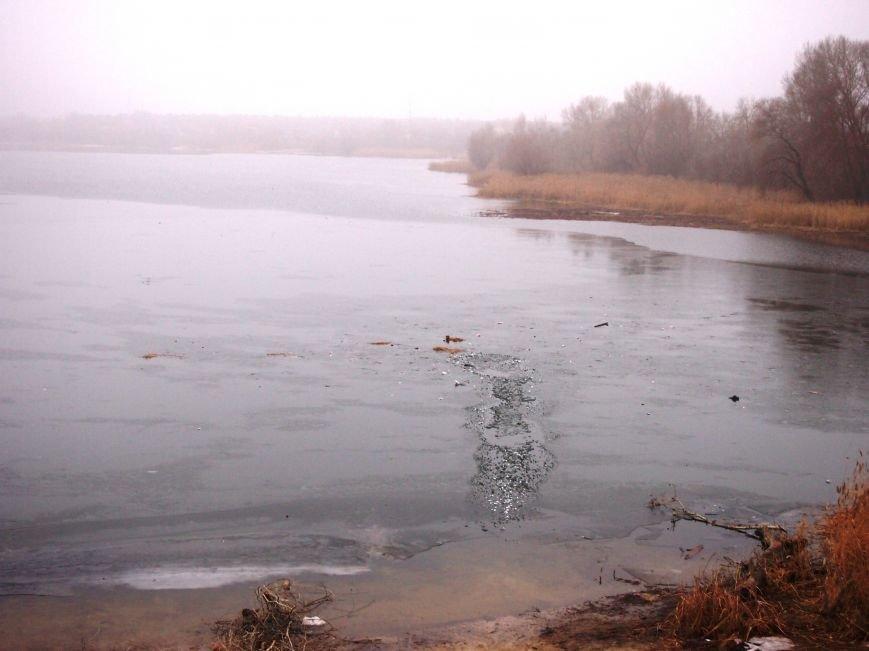 На Куриловском котловане рыбак провалился под лед (фото) - фото 1