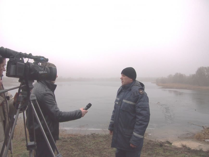 На Куриловском котловане рыбак провалился под лед (фото) - фото 4