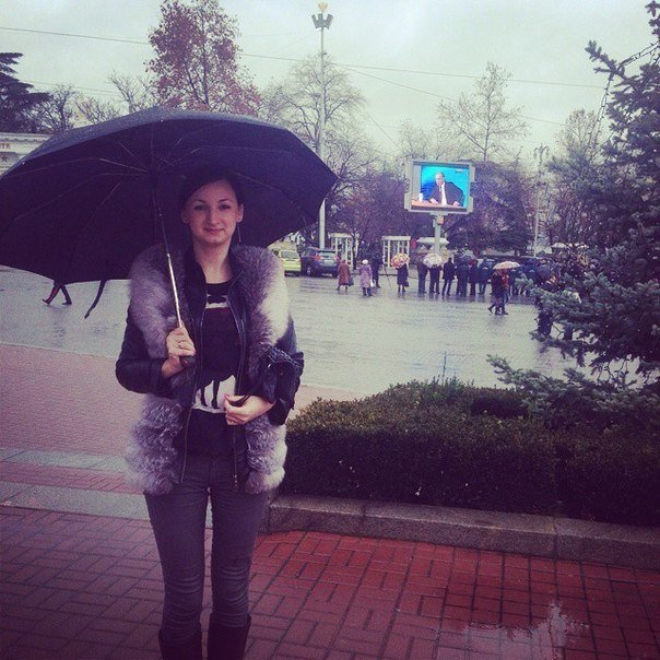 ФОТОФАКТ: В Крыму пресс-конференцию Путина можно посмотреть прямо на улице (фото) - фото 1