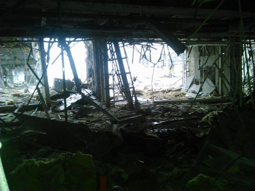 В Сети появились новые фото разрушенного донецкого аэропорта (фото) - фото 3