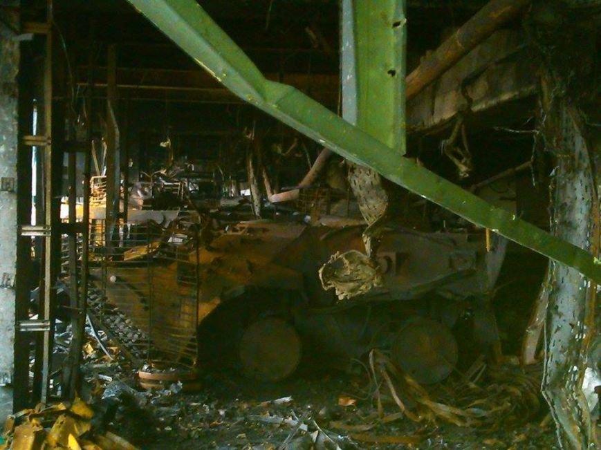 В Сети появились новые фото разрушенного донецкого аэропорта (фото) - фото 5