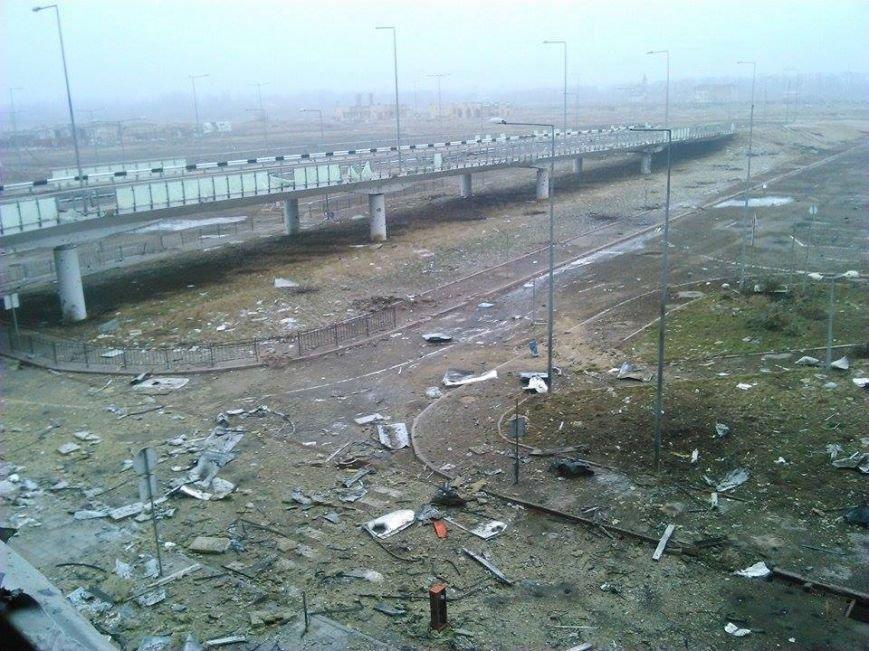 В Сети появились новые фото разрушенного донецкого аэропорта (фото) - фото 6