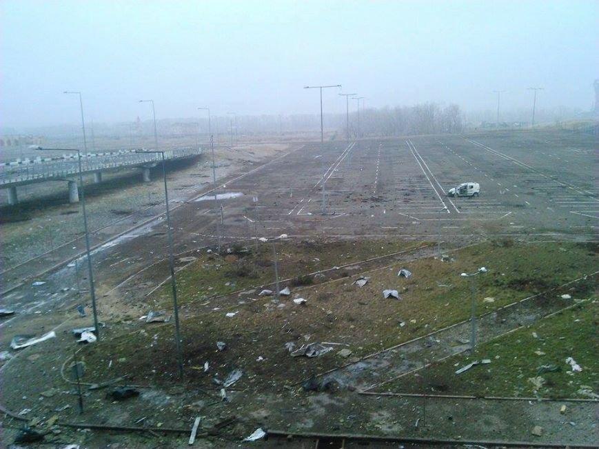 В Сети появились новые фото разрушенного донецкого аэропорта (фото) - фото 2